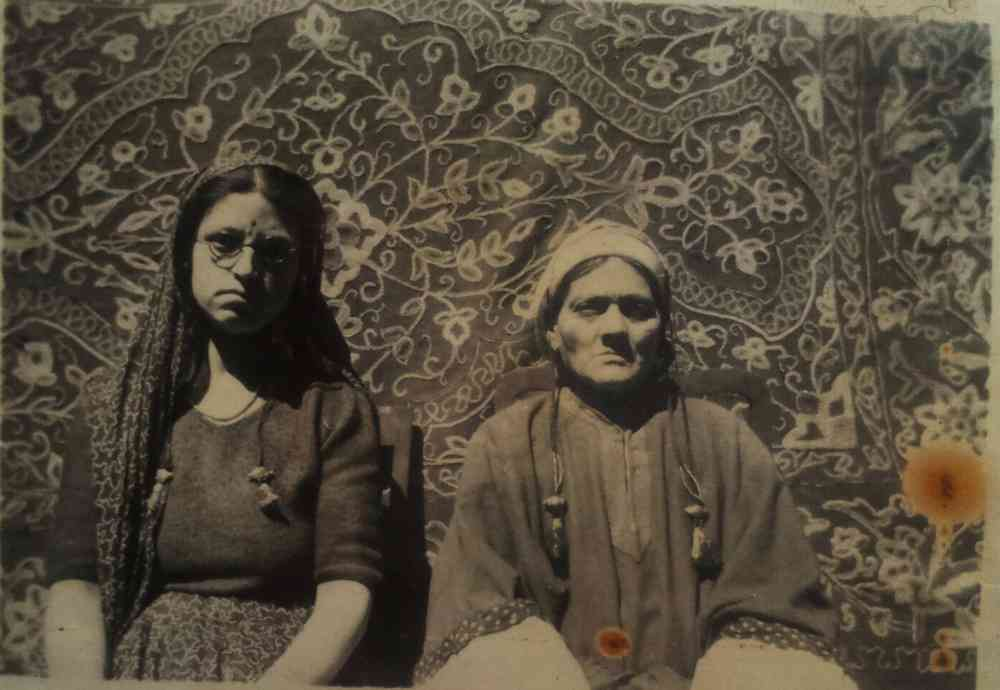 Author's grandmother and great-grandmother, Uma Shori Gigoo and Dhanawati Gigoo (1970, Kashmir)