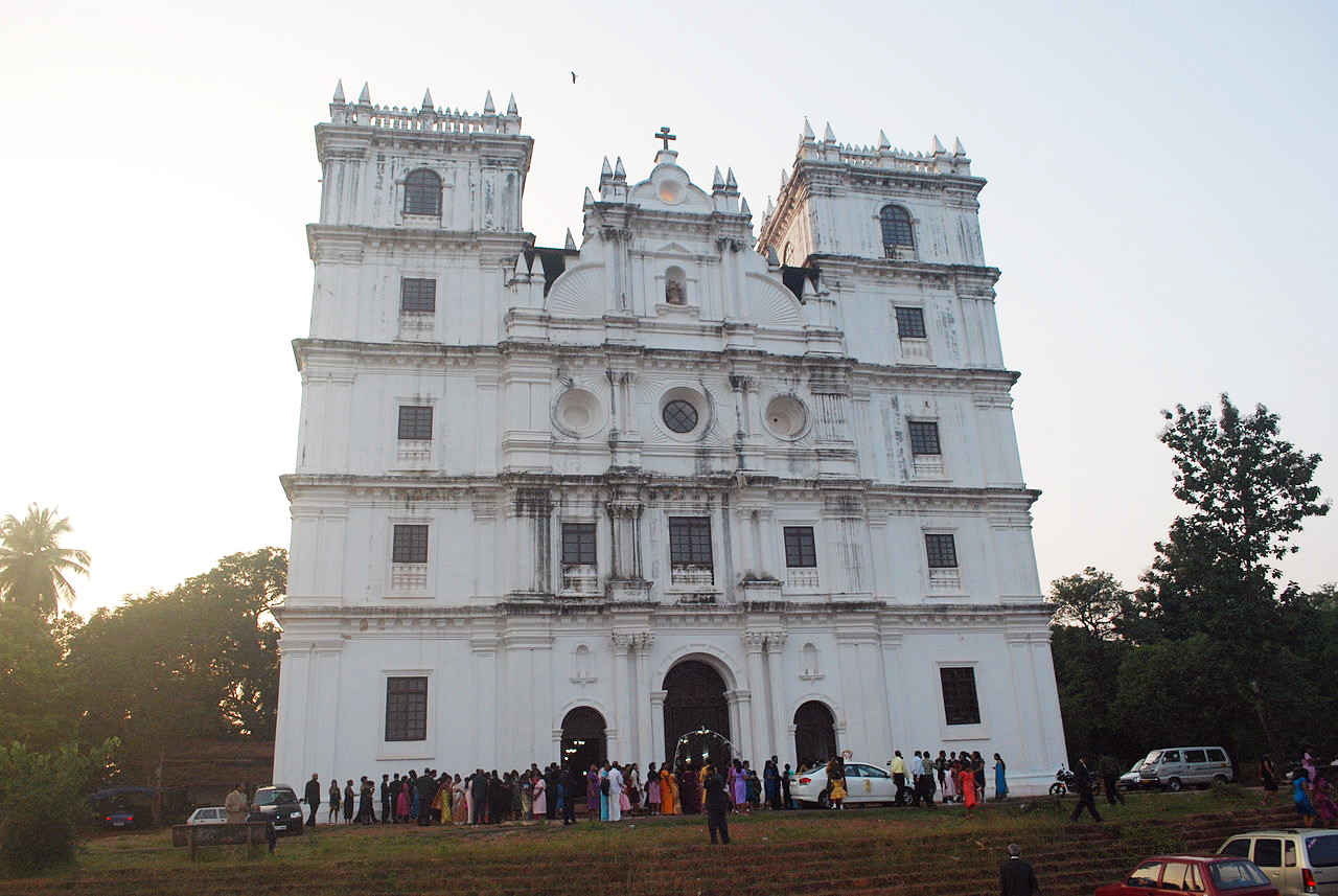 St. Anne's Santana de Talaulim church, Goa. Photo credit: Naizal Dias/Wikimedia Commons [Licensed under CC-BY-SA-3.0]