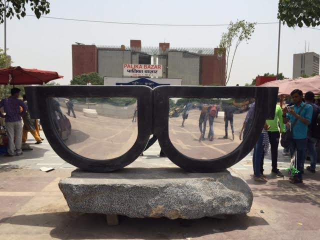The Mirror, by Bhupat Dudi at Palika Bazaar, Connaught Place. Credit: Zinnia Ray Chaudhuri