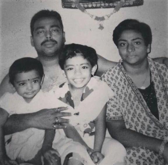 Sujoy Dey with Esani (left) and Mohini (right) and Romia Dey. Image credit: Mohini Dey.