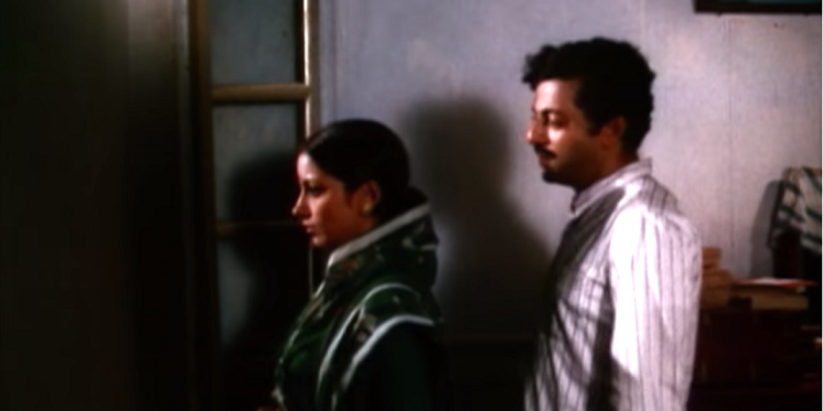 Shabana Azmi and Girish Karnad in Swami (1977).