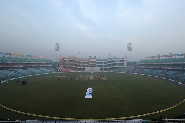 Delhi experienced another hazy morning. Photo: Sportzpics