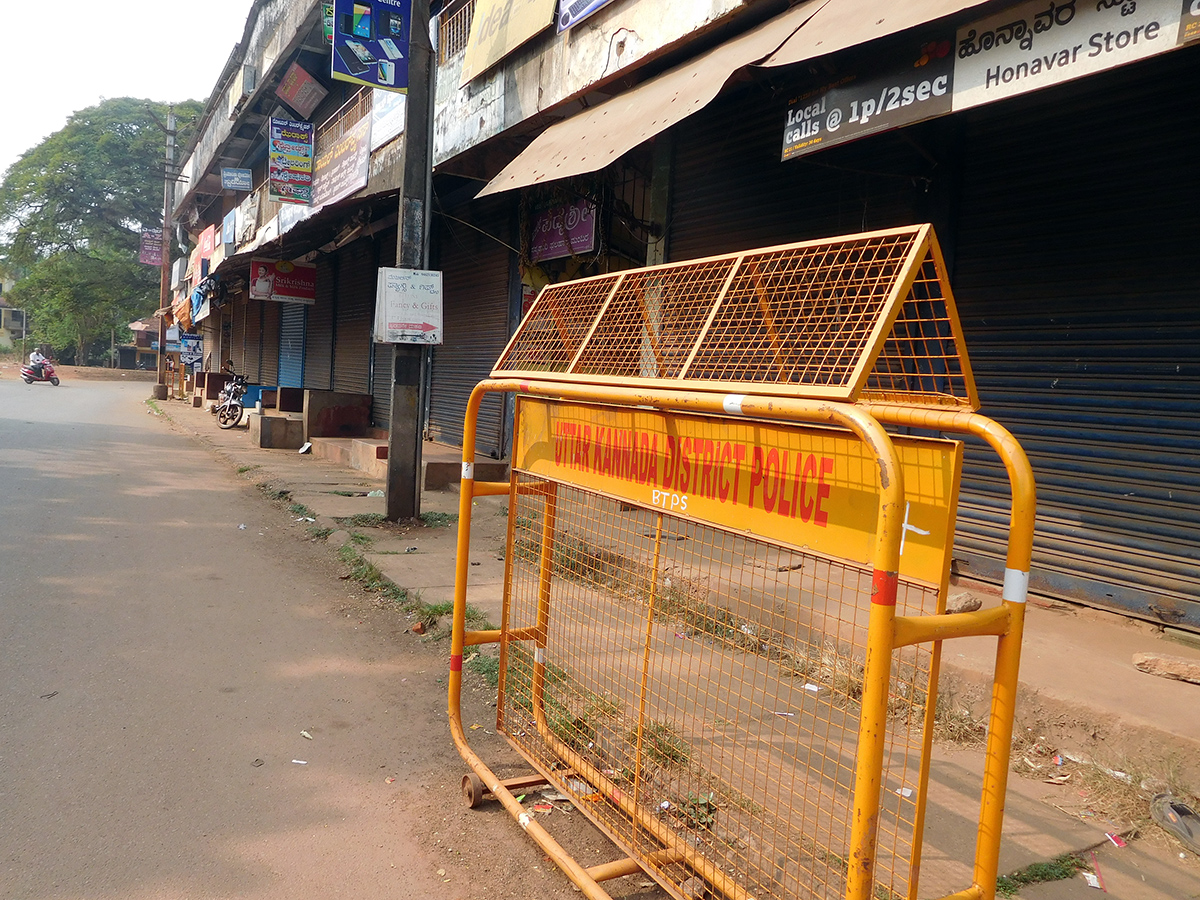 Honnavar town in Uttara Kannada district remains shut for more than 10 days. Photo credit: TA Ameerudheen