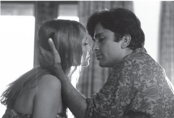 Shashi Kapoor and Jennifer Kendal in Bombay Talkie (1970). Courtesy Merchant Ivory Productions.