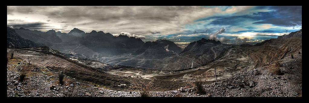 A panorama of the Grasberg gold and copper mine in Papua province, which activists point to as a case study of how extractive projects can go wrong. Photo credit: Richard Jones/Wikimedia Commons [Licensed under CC BY 2.0]