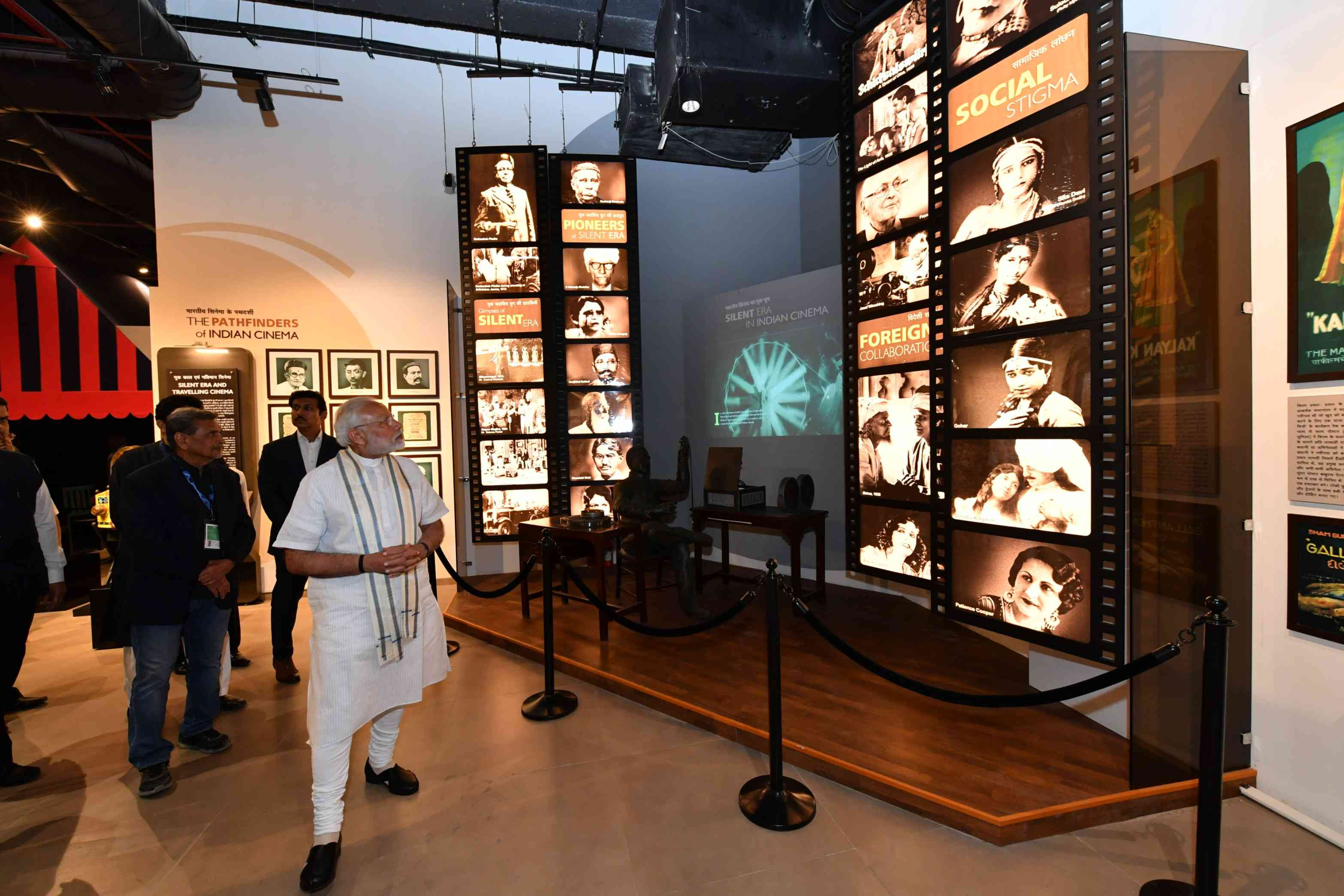 Narendra Modi touring the museum. Courtesy Press Information Bureau.
