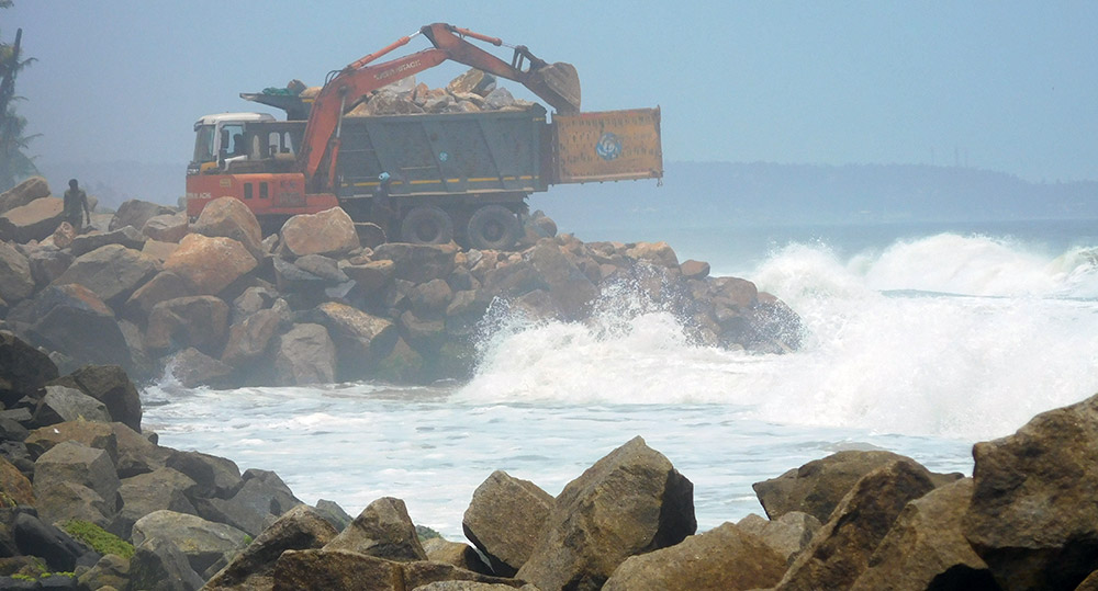 Groyne construction in progress in Valiyathura. Photo credit: TA Ameerudheen