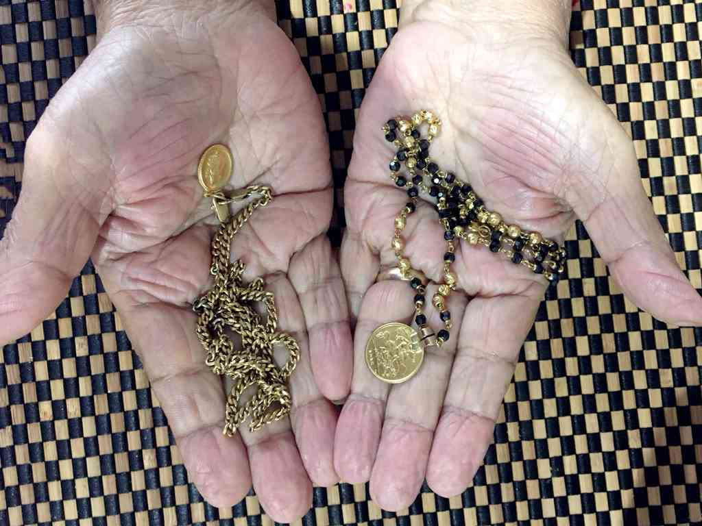 Hemanshi Kumar still possesses a mangalsutra and necklace worn by her great-great grandmother Raj Pali. Photo credit: Hemanshi Kumar.