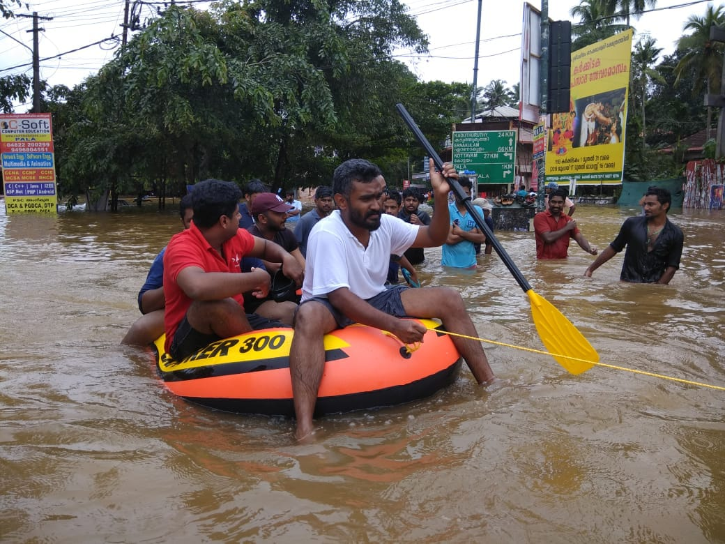 Boats were pressed into service to rescue stranded people in Pala (Photo credit: Madhumitha Tony Jose)
