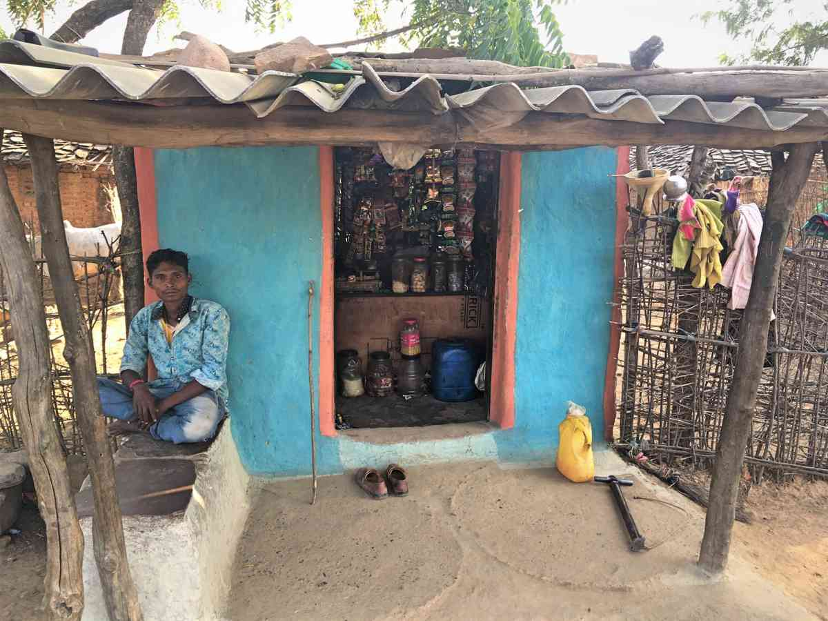 Manoj Mawasi, a Kol Adivasi from Patni village, makes a living either by selling wood or working as a labourer. When jobs are hard to come by, he migrates to cities.