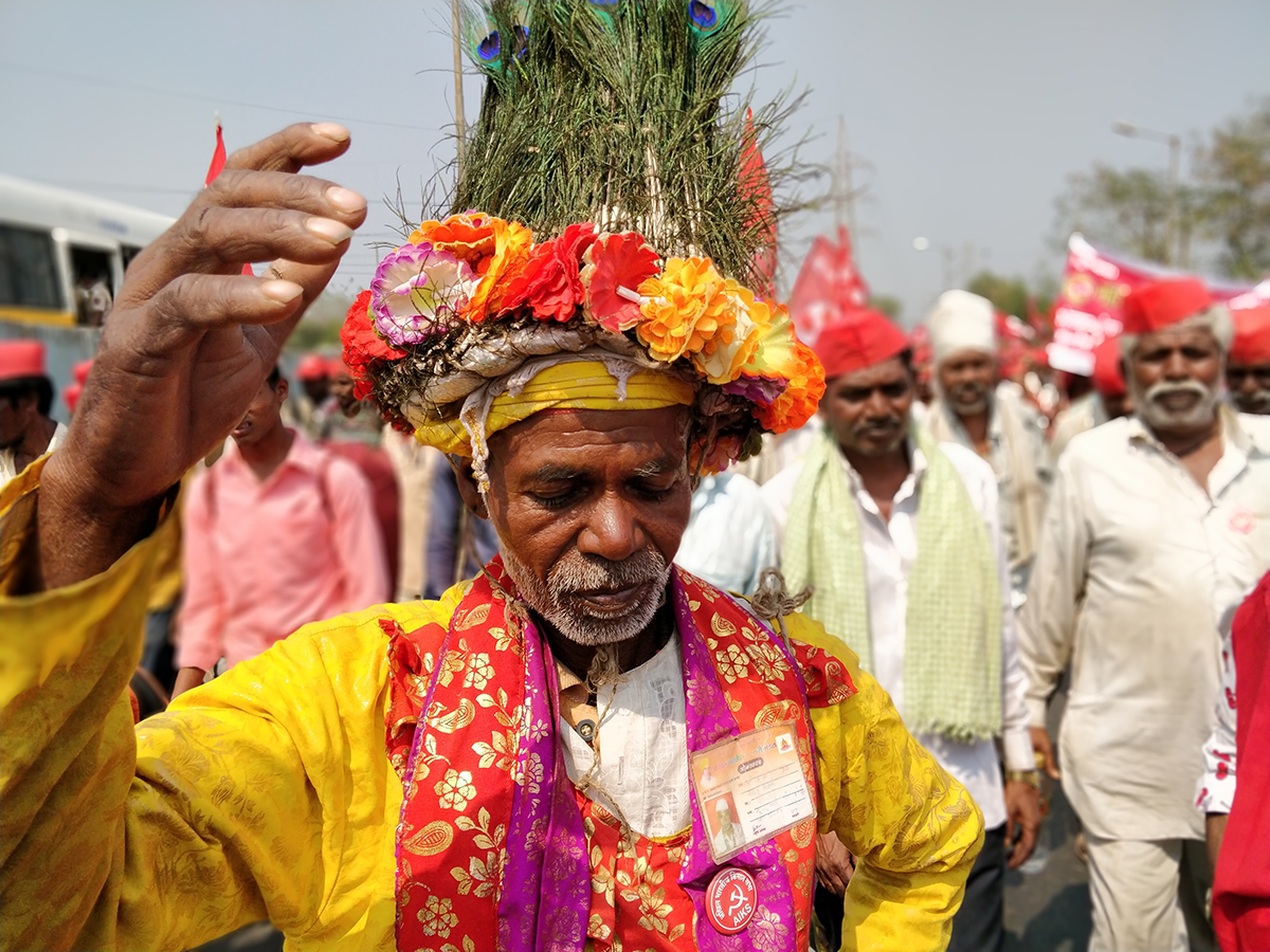 Slogans denouncing the anti-farmer policies of the current government ripped the air, as protestors waved flags and broke into impromptu dances.