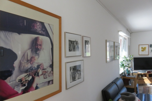 A picture of Rajneesh occupies pride of place in Sheela's bedroom. Photo credit: swissinfo.ch