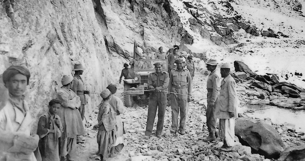 9-Major Thangaraju, Madras Engineering Regiment opening Zojila Pass 1948-2