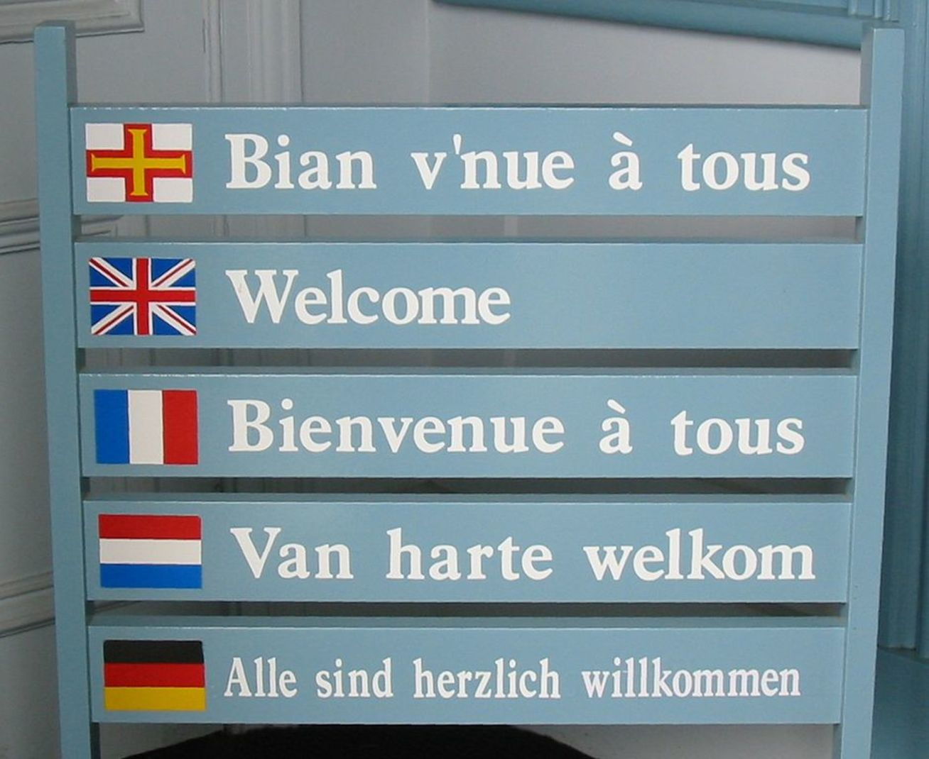Why do some places have many languages, and others only a few?  Photo credit: Man vyi/Wikimedia [Licensed under CC BY 1.0]