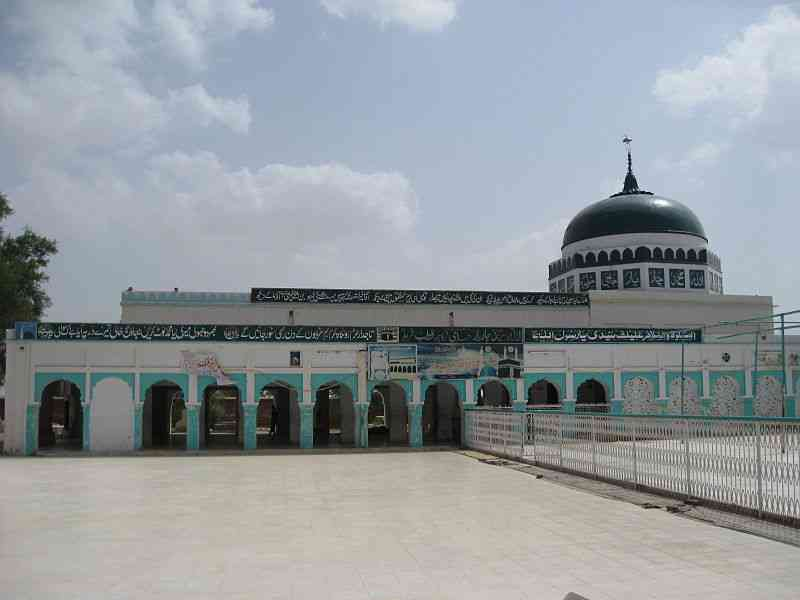 Tajuddin Chishti's shrine at Chishtian. Photo credit: Wikipedia