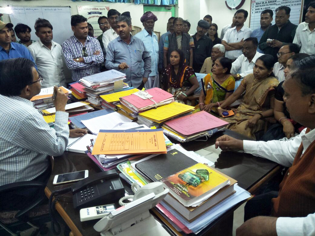 Villagers of Par meet the collector of Patan.