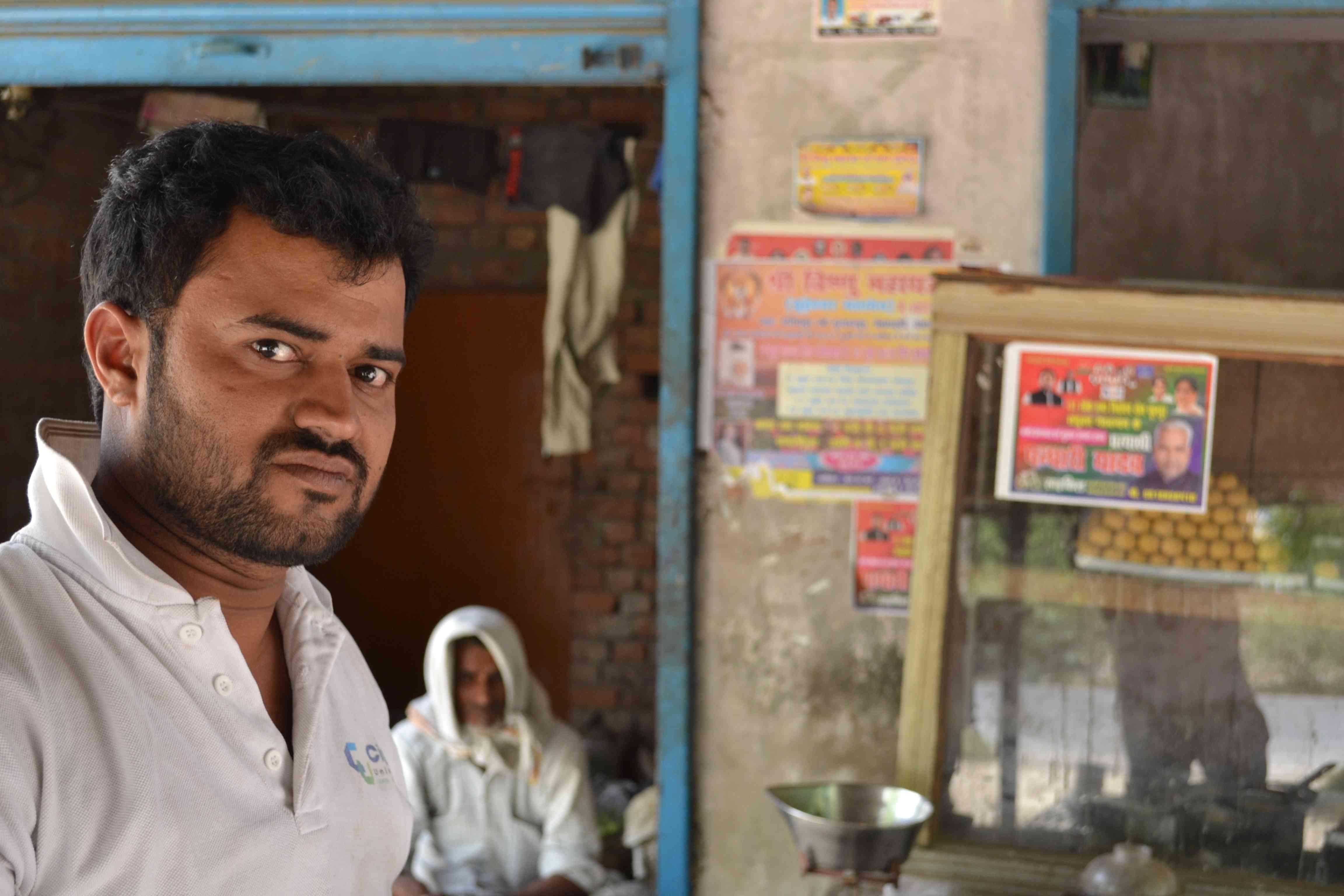 Pramod Yadav in Jetarvadeh village, Phulpur. Photo credit: Akash Bisht