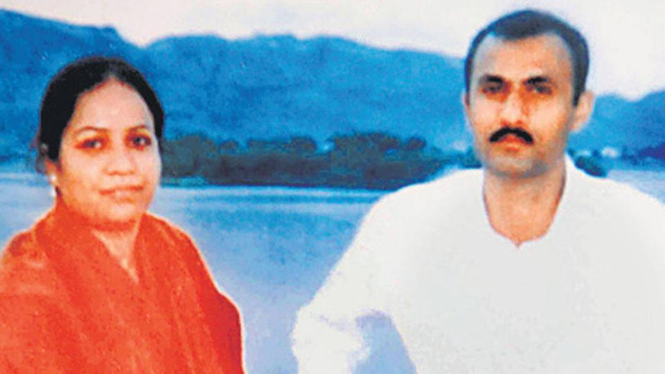 Sohrabuddin Sheikh and his wife, Kauser Bi. Credit: HT Photo