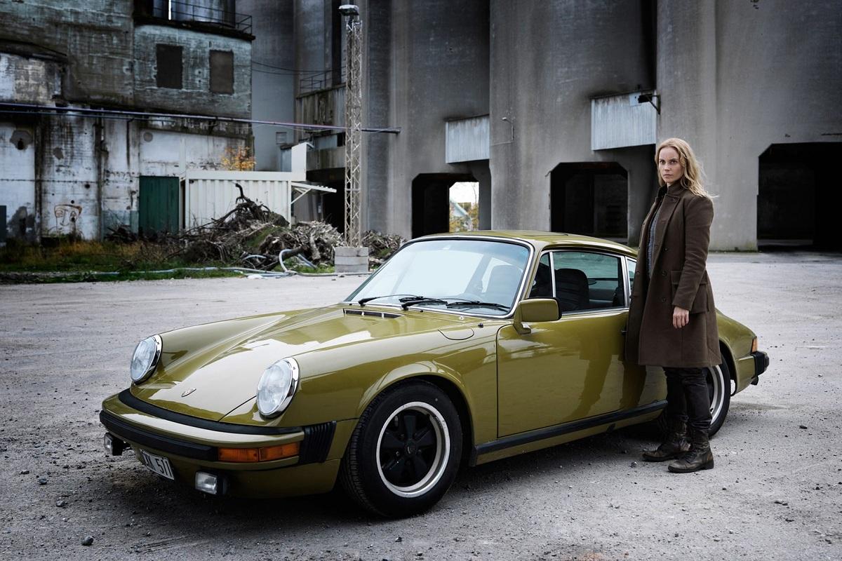 Saga Noren and her Porsche.