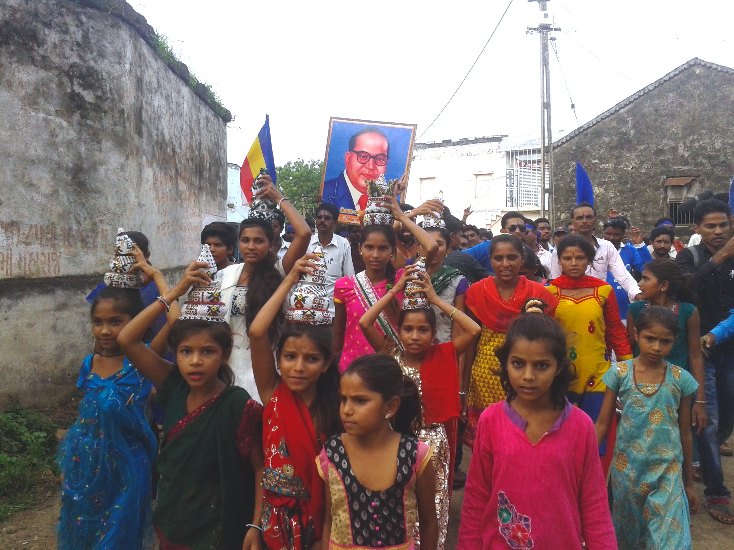 A procession welcoming Dalit protestors into the Sarvaiyas' village near Una town in August 2016. (Photo: Aarefa Johari)