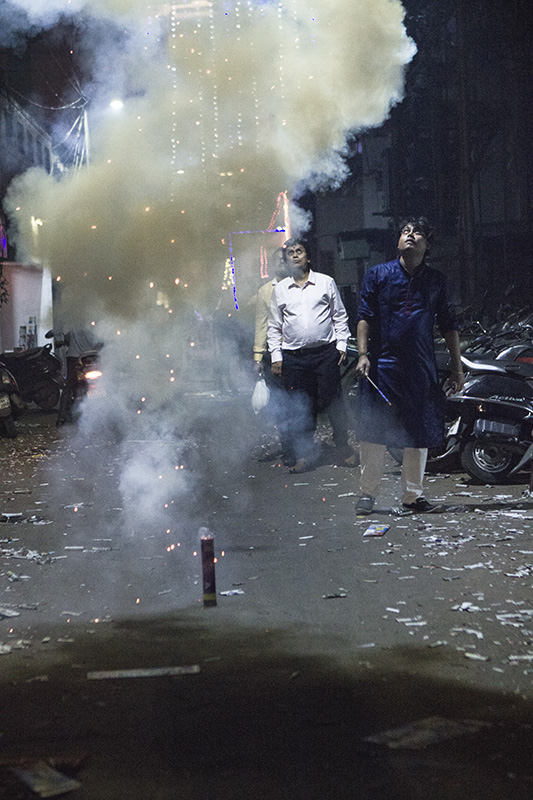 A family bursting crackers, while pollutions levels began to spike in Chennai. Photo credit: Shuchi Kapoor/Chennai