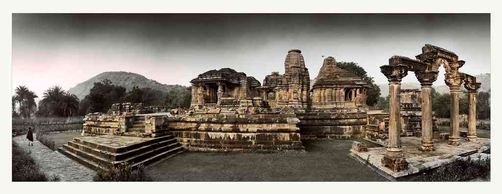 Sahasra Bahu ruins: These are the remains of the 10th-century Sahasra Bahu temples just outside the city of Udaipur in Rajasthan. The name refers to the 1,000 arms of the Hindu god Vishnu, the preserver.