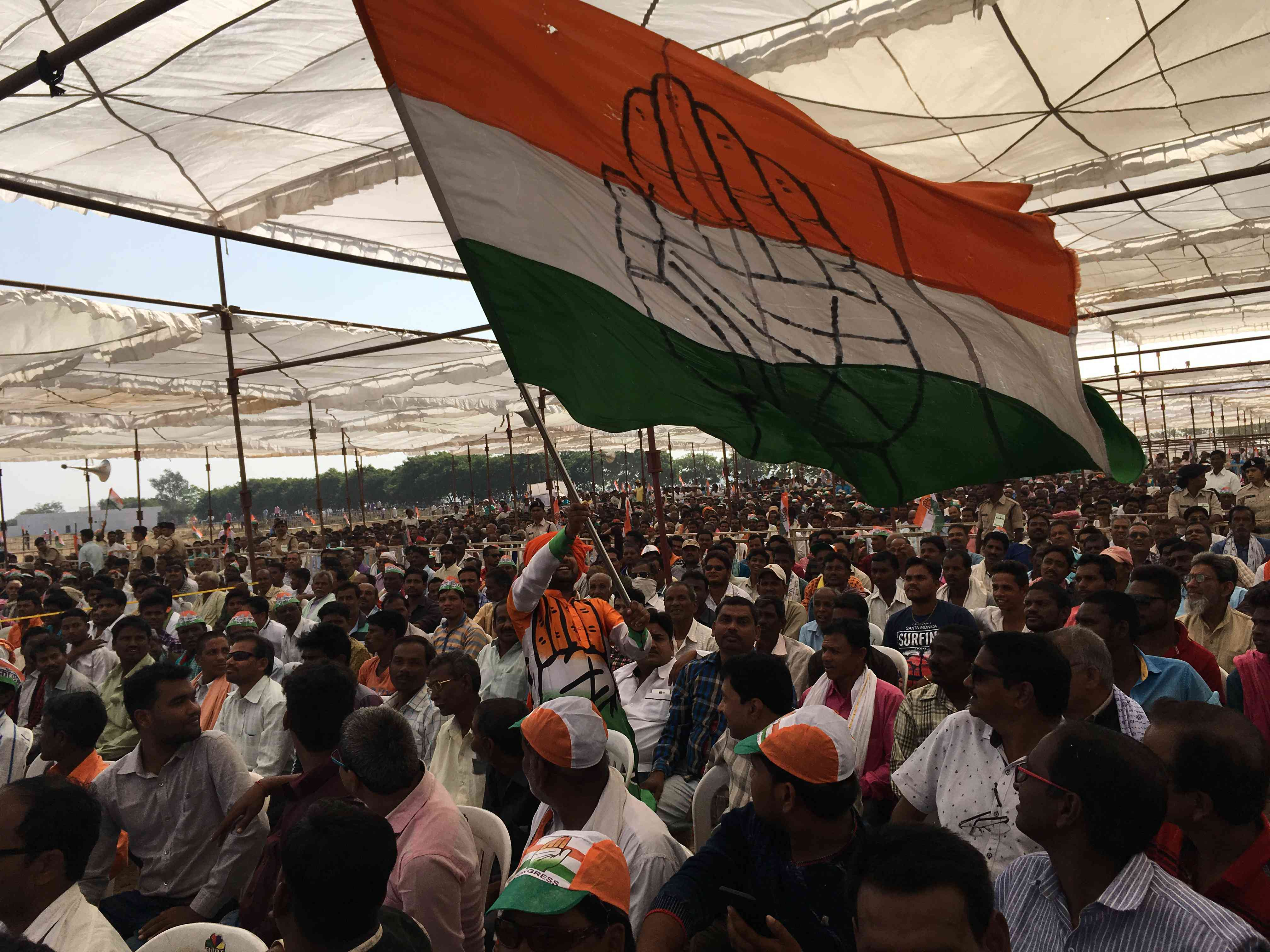Rahul Gandhi's rally in Mahasamund attracted a huge crowd. Photo credit: Akash Bisht