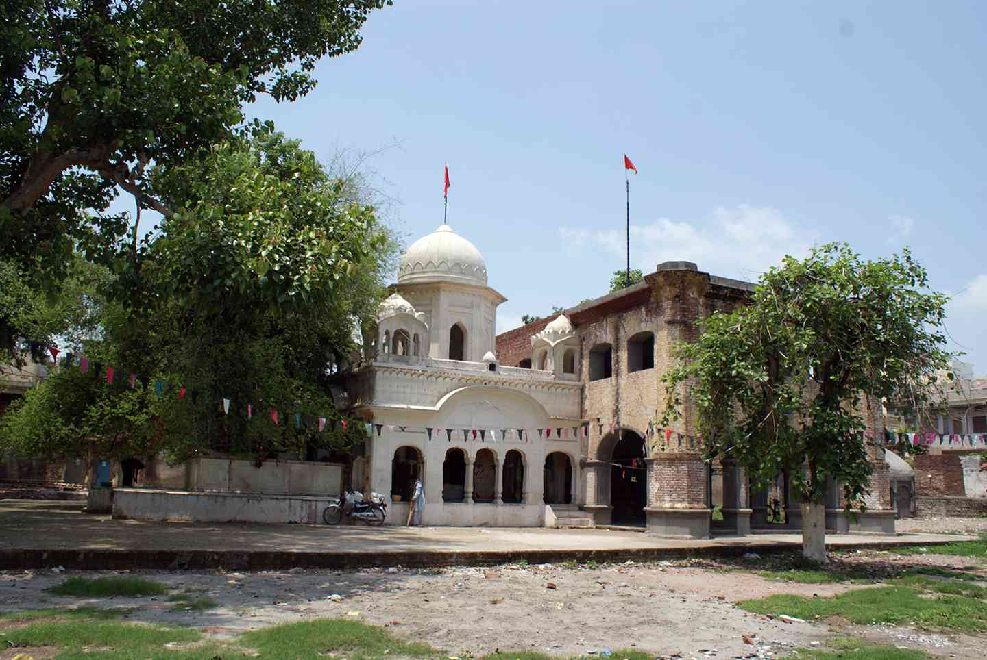 At the Gurdwara Beri Sahib in Sialkot stands a berry tree that has acquired special significance because of its connection with Guru Nanak. (Credit: Iqbal Qaiser)