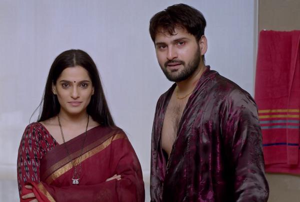Priya Bapat and Siddharth Chandekar in City of Dreams (2019). Courtesy Applause Entertainment/Hotstar.