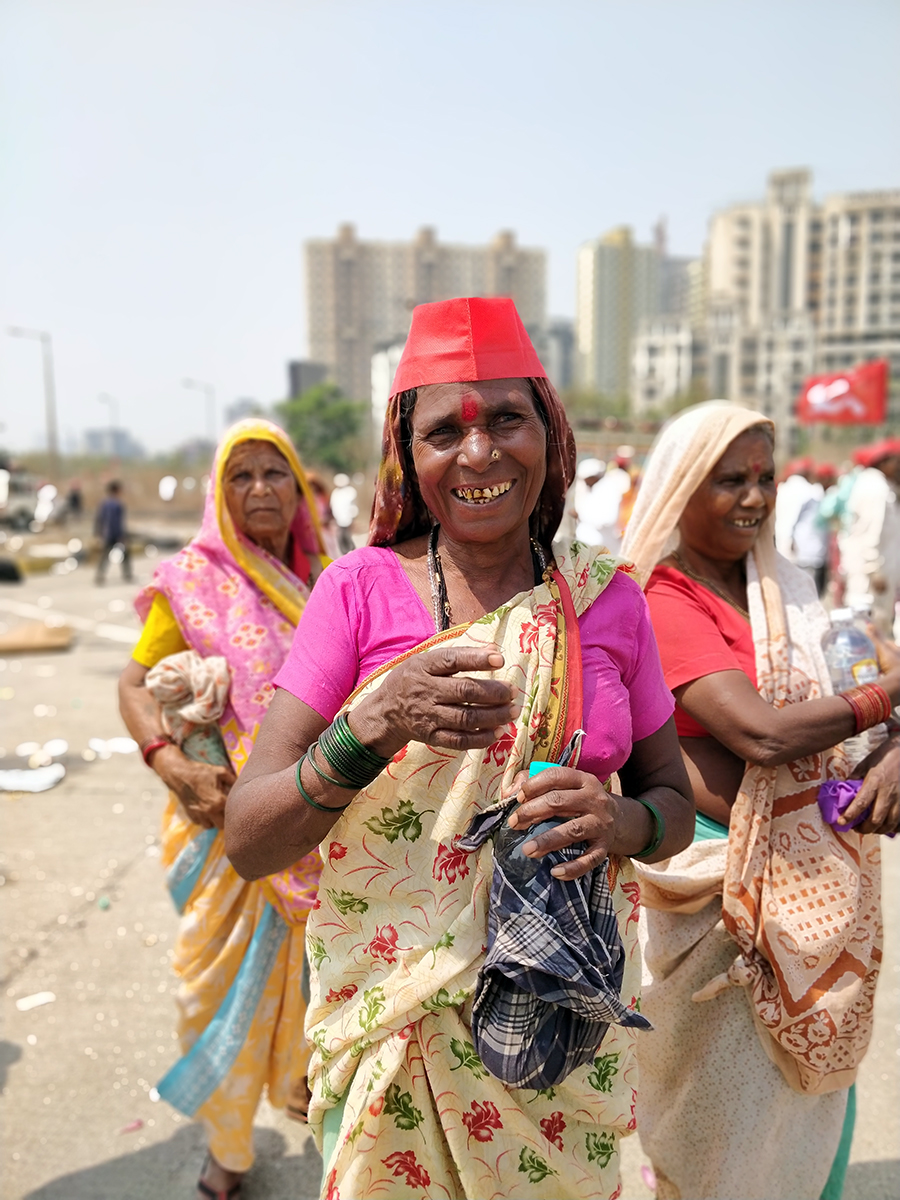 Women farmers and workers demanded that their loans be waived off so they can educate their children, while others blasted the government for letting fugitives like Nirad Modi escape.