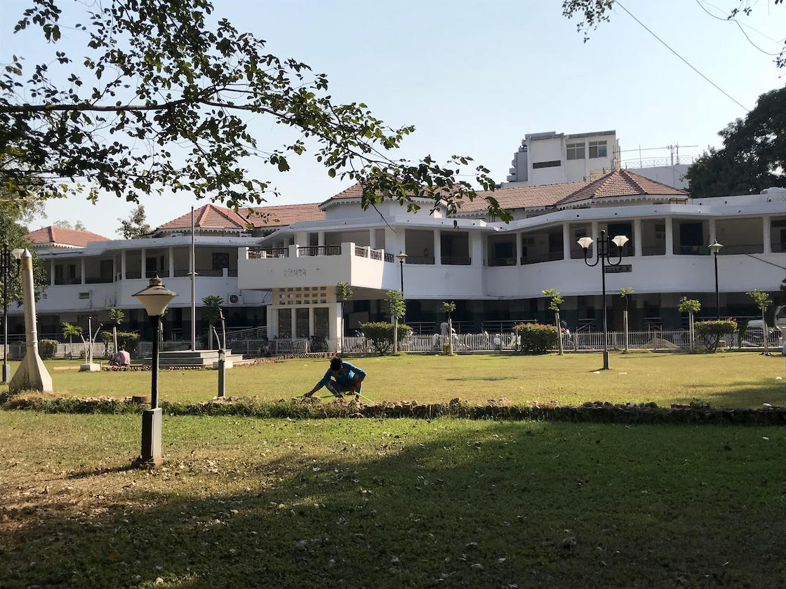 The state-run Ravi Bhawan complex in Nagpur, where Brijgopal Harkishan Loya reportedly stayed. Credit: Supriya Sharma