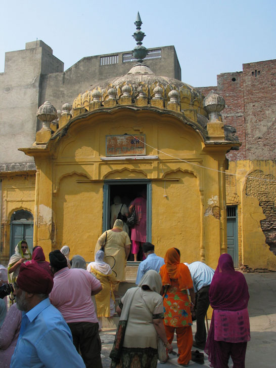 Shahidganj Gurdwara in Lahore was built on land attached to a mosque. Photo courtesy Sikhi Wiki