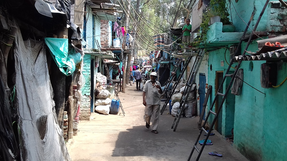 In the Mayapuri slum. (Photo credit: Abhishek Dey).