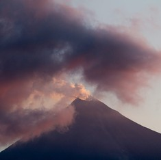 Watch Mexico's Colima volcano spew smoke and ash 7,000 feet in the air