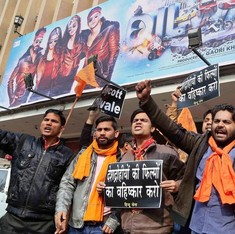 Protesters interrupt screenings of Dilwale, Bajirao Mastani