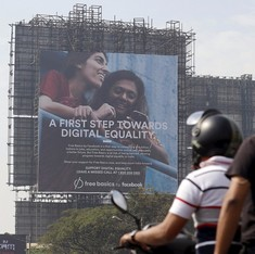 Facebook spent Rs 300 crore on Free Basics ads in India: Report