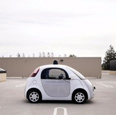 US law will treat Google's self-driving car as its own driver