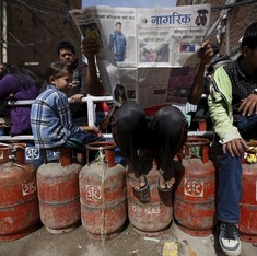 Price of subsidised LPG increased by Rs 2 per cylinder, bringing cost to Rs 425 in Delhi