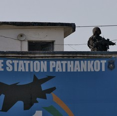 Five-member team from Pakistan granted visas to India, will investigate Pathankot attacks