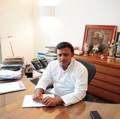 Muzaffarnagar riots: Probe panel gives clean chit to Akhilesh Yadav government