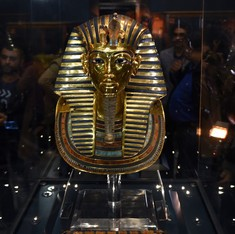 Eight museum workers sent to trial in Egypt after hash job on Tutankhamun's mask