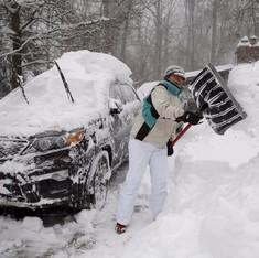 US blizzard leaves 25 dead on eastern coast