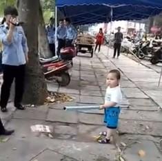 चीन की सरकार क्यों चाहती है कि इस नन्हे बच्चे का वीडियो कोई न देखे?