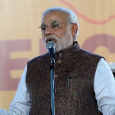 Modi lauds mason on Mann ki Baat for free toilets he did not build