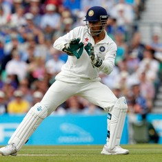 MS Dhoni sues Hindi daily for match-fixing allegation