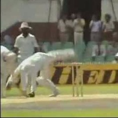 Watch lifetime achievement winner Syed Kirmani do something remarkable for a wicketkeeper