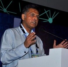 What does Manish Tewari say is true – the 'coup story' or the Congress's unnecessary panic?