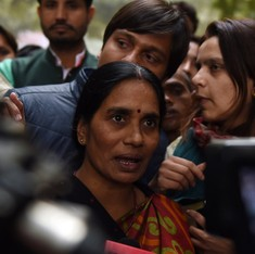 Delhi gangrape: Centre assures victim's parents that Juvenile Justice Bill will be passed
