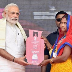 Narendra Modi launches free cooking gas connections scheme for 5 crore families below poverty line