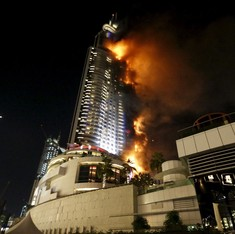 Massive fire breaks out near world's tallest skyscraper in Dubai